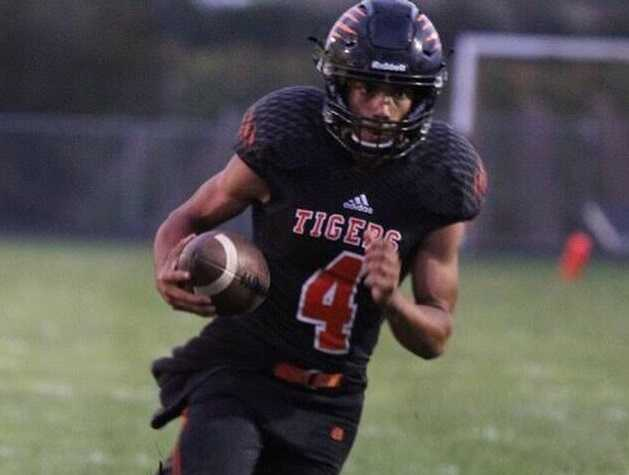 Dual-threat quarterback Jaime Garcia leads Yamhill-Carlton's offense. (Photo courtesy Yamhill-Carlton High School)