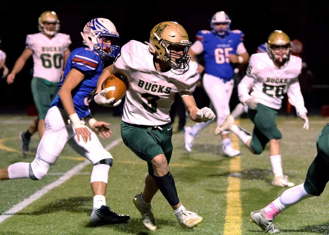 Pendleton's Zaanan Bane (3) rushed for 90 yards and two touchdowns Thursday night. (Photo by Lauren Craven)