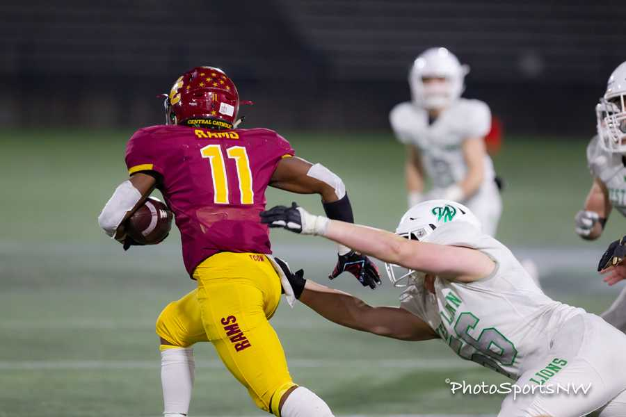 West Linn found itself grasping for Elijah Elliott and coming up empty all night long. Photo by Brad Cantor