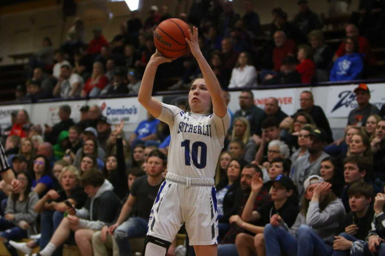 Sutherlin's Kiersten Haines goes up for a jumper in Friday's win over Burns. (NW Sports Photography)