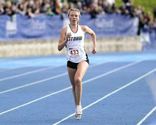 Fiona Max, a two-time 6A cross country champion, was going for a third title in the 3,000 meters. (Photo by Jon Olson)