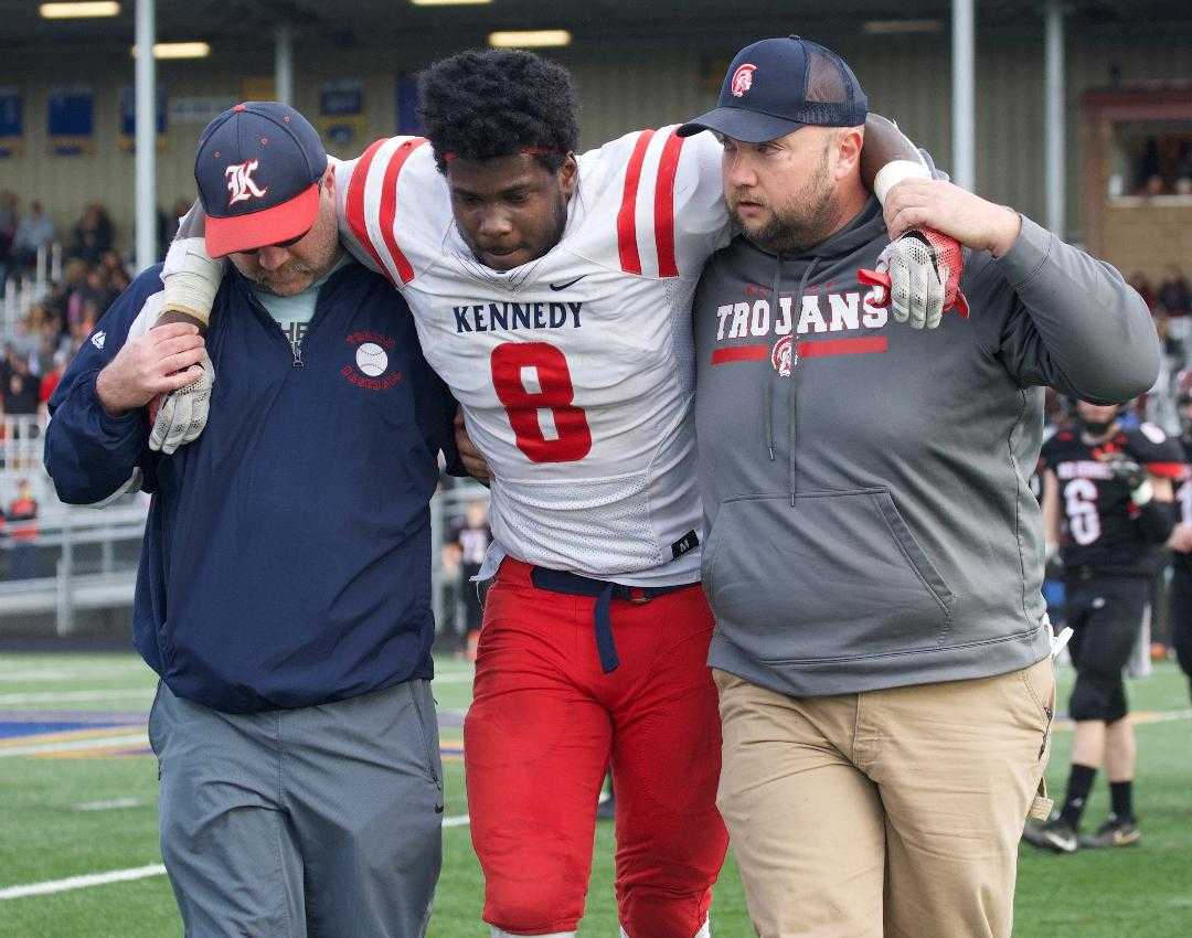 Emorej Lynk suffered a torn ACL, MCL and meniscus in the 2A final in 2018. (Photo by Norm Maves Jr.)
