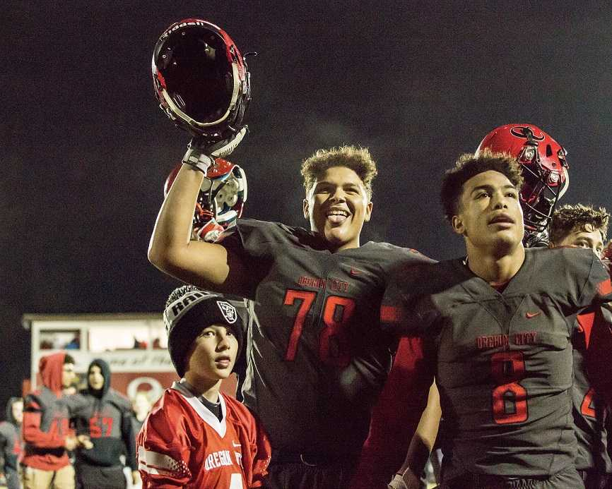 Oregon City's football team is back with 97-year rival West Linn in the Three Rivers League. (Photo by Michelle Phillips)
