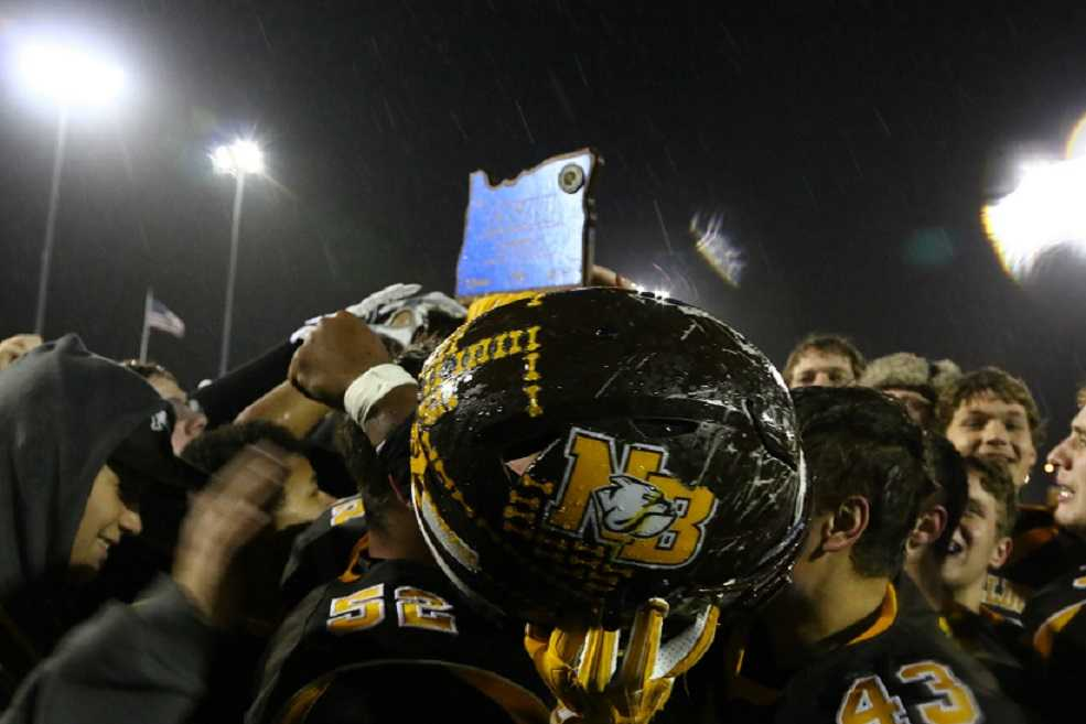 North Bend won the Class 4A title in 2016. (NW Sports Photography)
