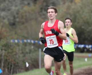 McMinnville's Zane Fodge ran a 14-second personal best in the 3,000 meters Thursday. (NW Sports Photography)