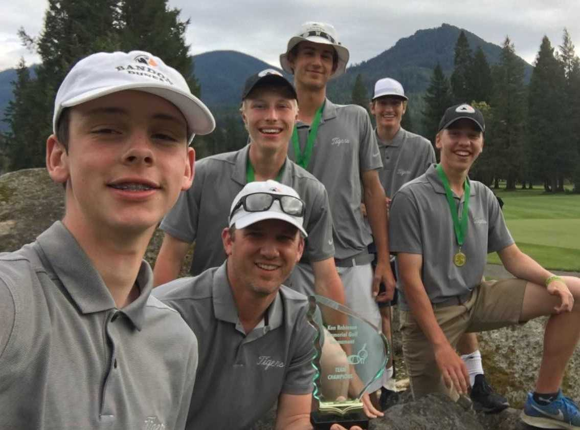 Bandon's golf team (from left): Luke Brown, coach Scott Millhouser, Alexander Schulz, Jackson Kennon, Matt Yarbor, Isaac Cutler.