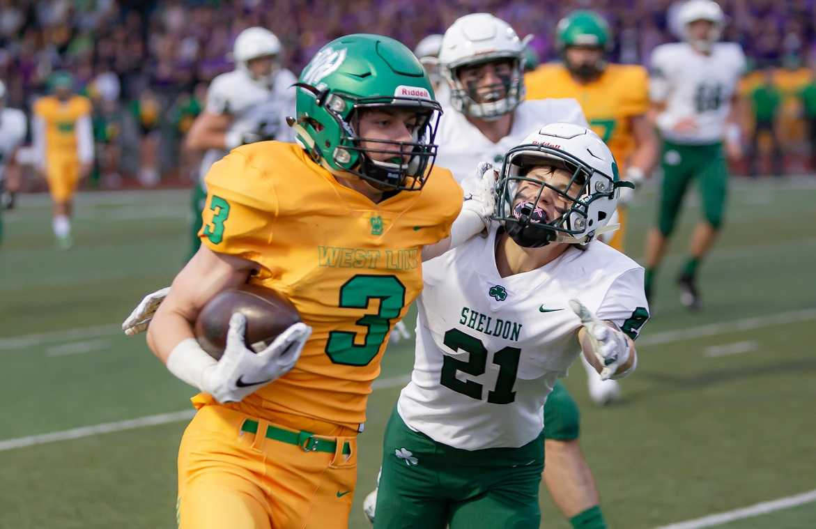 West Linn senior Casey Tawa has caught 11 of Ethan Coleman's 22 touchdown passes. (Photo by Brad Cantor)