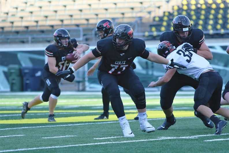 Thurston's Wesley Kommer rushed for 194 yards on 24 carries Saturday. (Photo by Patrick Edmison)
