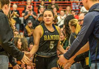 Bandon's Traylyn Arana, a transfer from 1A Glendale, is averaging a team-high 19.0 points. (Photo by Tom Hutton)