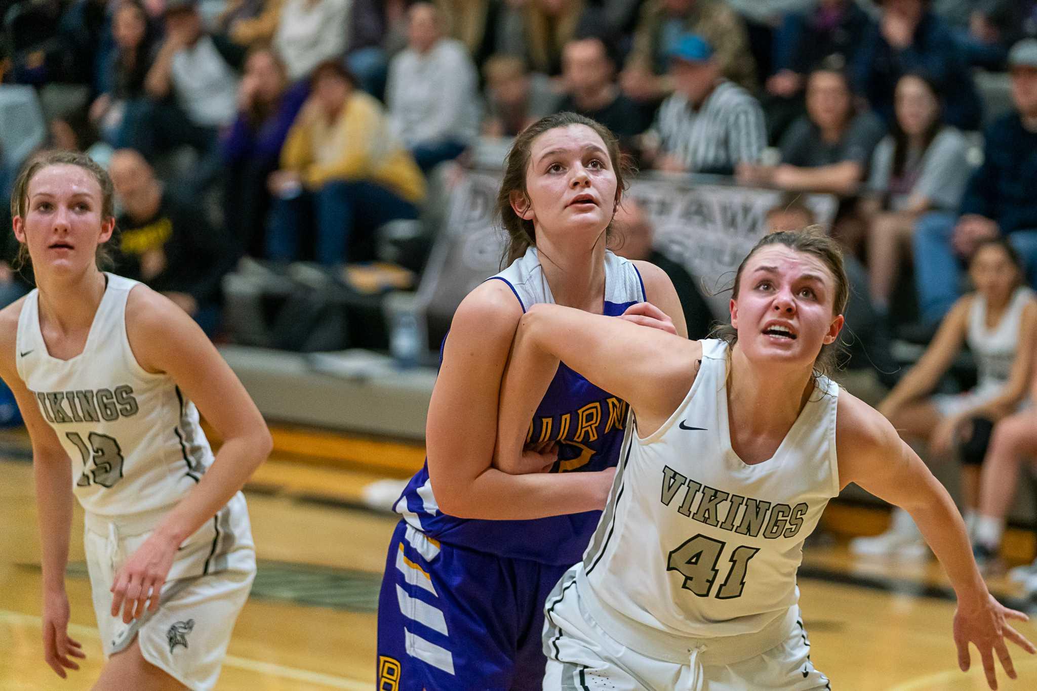 Vale's Kailey McGourty blocks out Burns' Allie Hueckman on Saturday. (Randy Seals/Eastern Oregon Sports Photos)