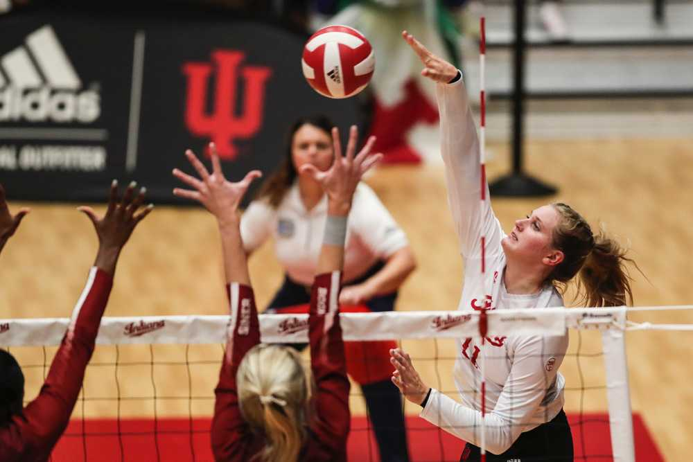 Breana Edwards, shown terminating for IU, has five of the top seven single-match kill totals in OR history. Photo/Missy Minear