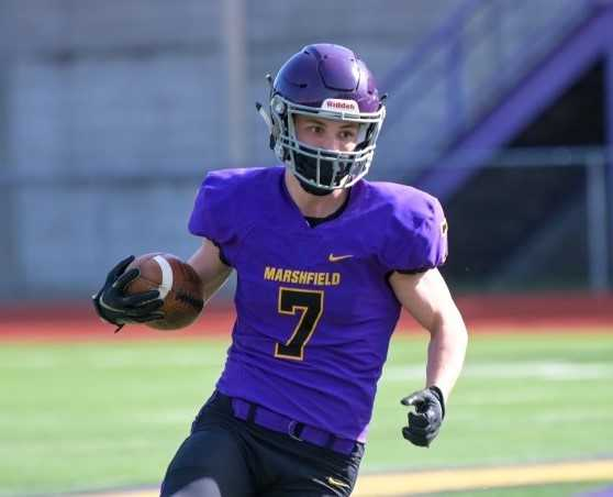 Noah Niblett and Marshfield are No. 4 in the initial 4A football rankings. (Photo by Allan Ledesma)