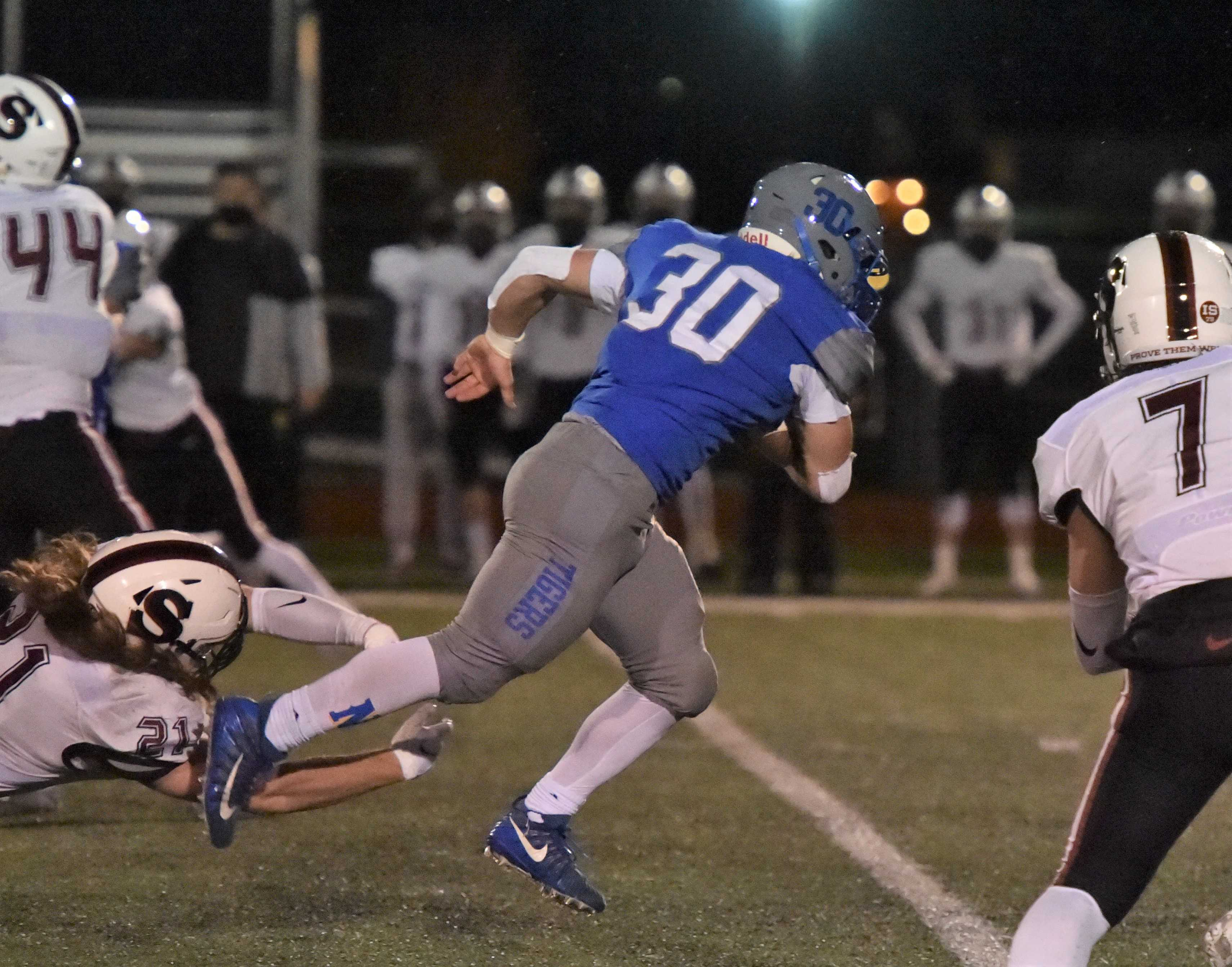 Newberg junior Price Pothier (5-6, 180) has rushed for 701 yards and 10 touchdowns. (Photo by Dean Takahashi)