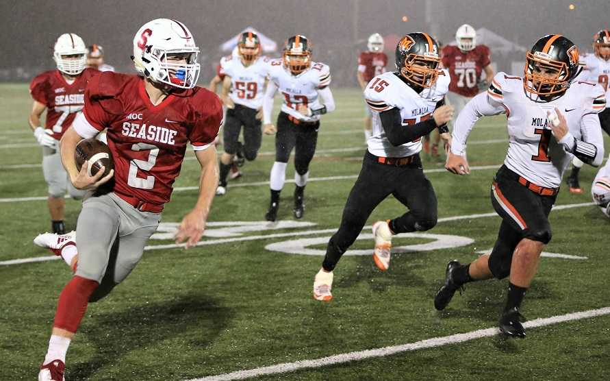 Seaside's Alexander Teubner has rushed for 1,131 yards and 20 touchdowns. (Photo by Jeff terHar)