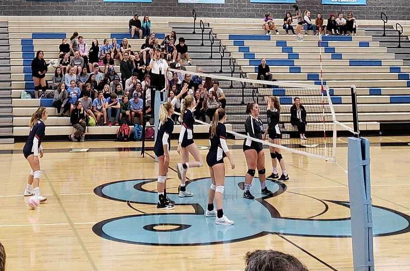 Lake Oswego improved to 10-3 in the Three Rivers by beating Lakeridge on Tuesday night. (Photo by Megan Woolard)