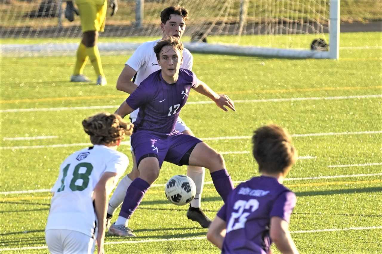 Griffin Rae (17), a third-year starter, is the catalyst for South Eugene's attack. (Photo by Dave Glock)