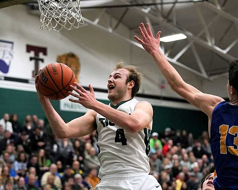 Tigard's Stevie Schlabach scored 36 points in Saturday's win over Barlow. (Photo by Jon Olson)