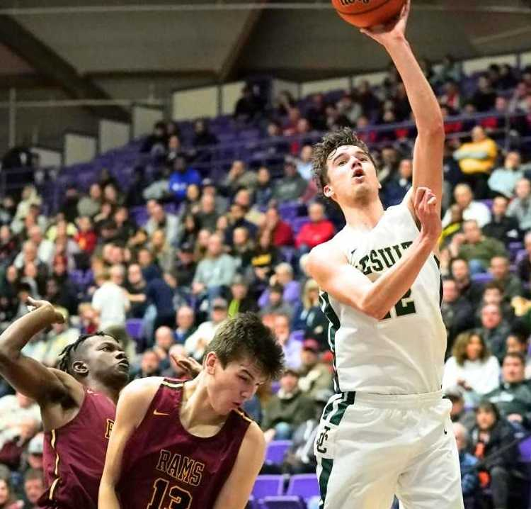 Jesuit's Justin Bieker had 12 points and seven rebounds in Wednesday's win. (Photo by Jon Olson)