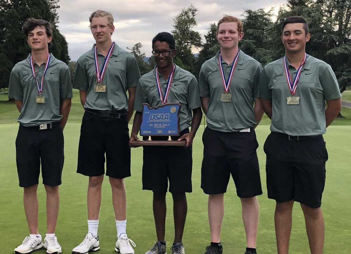 Jesuit's (left to right) Austin Boyle, Johnny Ward, Samir Dutta, Andrew Reinhardt and Brody Marconi pose with the 2018 6A trophy